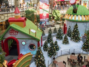 Microsoft & HGTV Presents Santa HQ